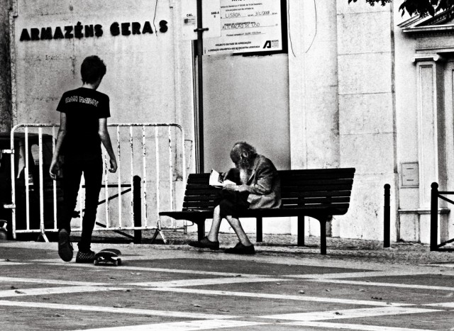 Andrea-Palla-Lisbona-vecchio-e-skater